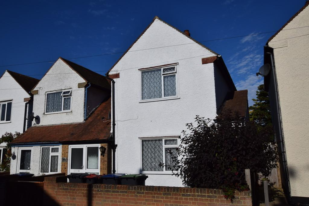 3 Bedrooms Semi Detached House for sale in Stanley Road, Herne Bay