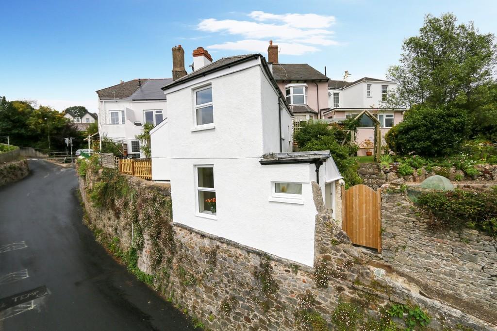 2 Bedrooms Detached House for sale in Highweek Village, Newton Abbot