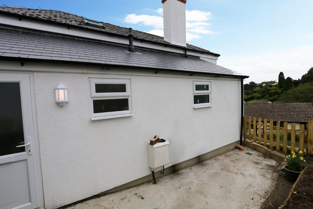 Highweek Village Newton Abbot 2 Bed Detached House For Sale 195 000