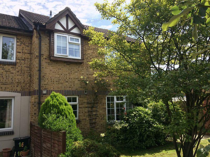 Studio Flat for sale in Lovatt Close, Carterton