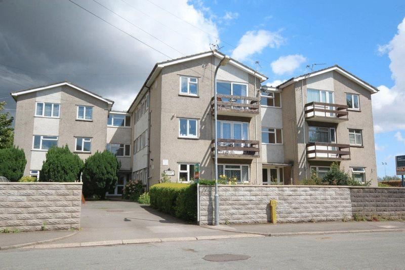2 Bedrooms Apartment Flat for sale in Brookside Court, Whitchurch