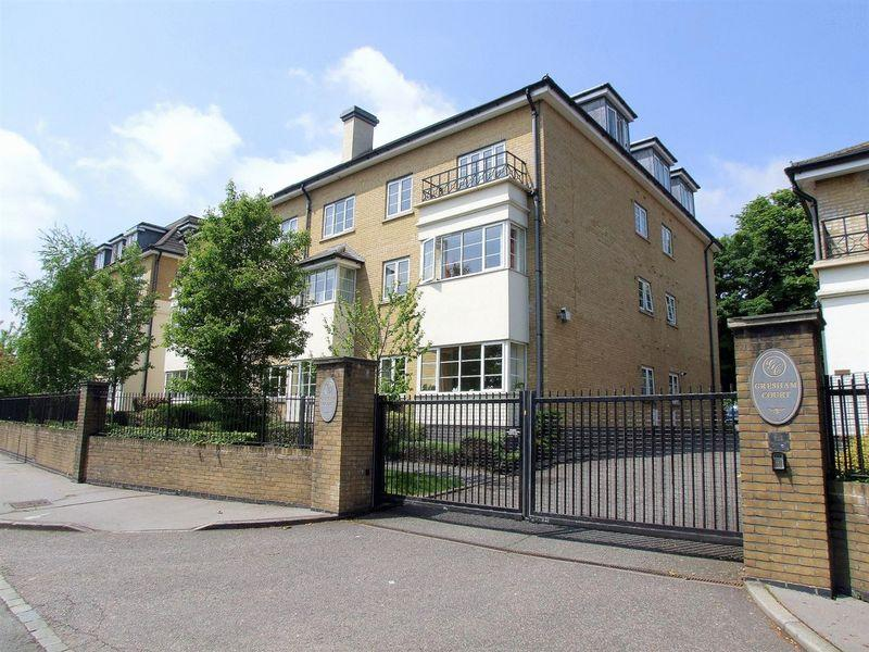 2 Bedrooms Retirement Property for sale in Pampisford Road, Purley