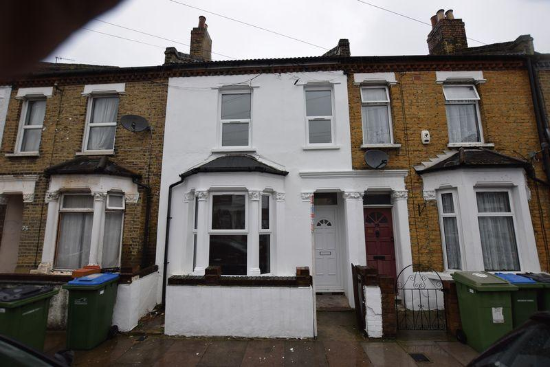 3 Bedrooms Terraced House for sale in Reidhaven Road, Plumstead, SE18 1BX