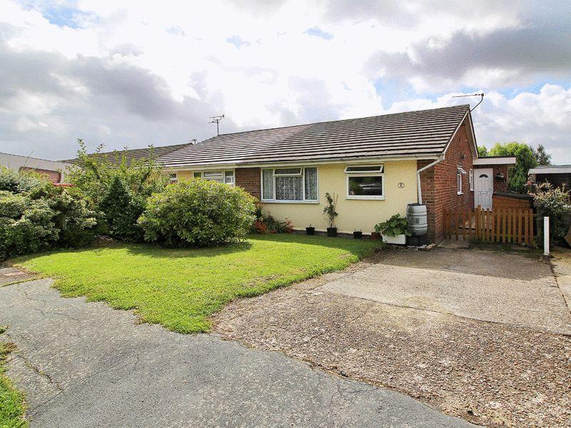 3 Bedrooms Bungalow for sale in Tudor Walk, Framfield, East Sussex