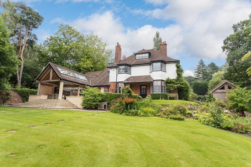 6 Bedrooms Detached House for sale in Congleton Road, Alderley Edge