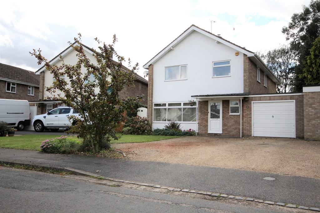 4 Bedrooms Link Detached House for sale in The Woodlands, Broom, Biggleswade, SG18