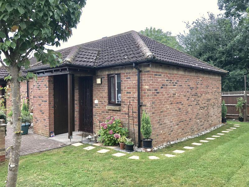 1 Bedroom Bungalow for sale in Southern Lodge, Harlow