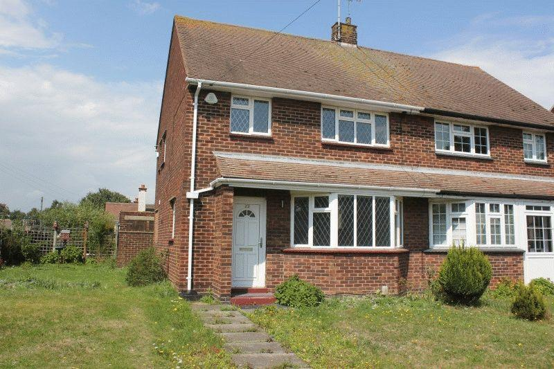 3 Bedrooms Semi Detached House for sale in Elm Road, Southend-On-Sea
