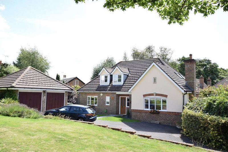 3 Bedrooms Bungalow for sale in St Francis Close, Penenden Heath