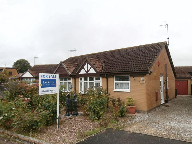 2 Bedrooms Semi Detached Bungalow for sale in Ferryman Park, Paull