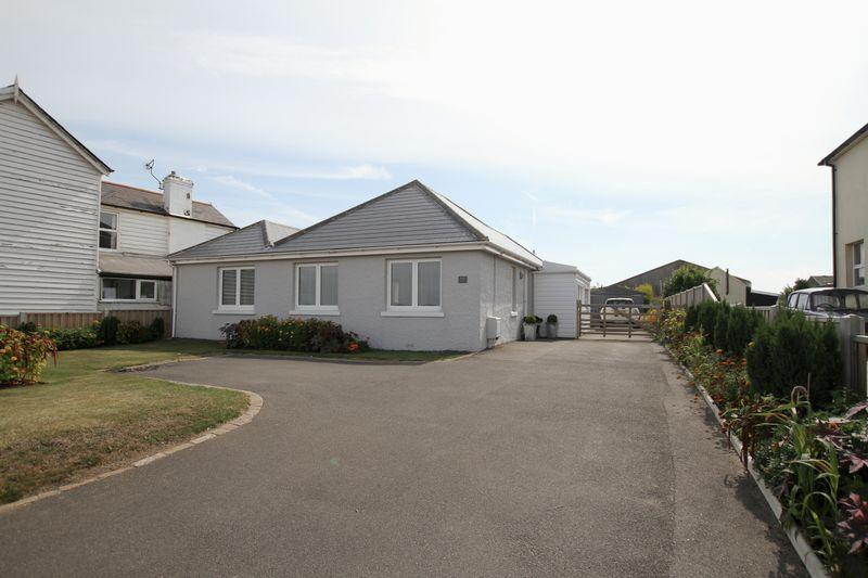 2 Bedrooms Detached Bungalow for sale in Walmer
