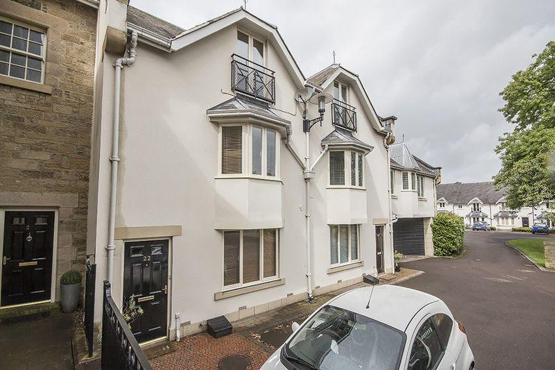 3 Bedrooms Town House for sale in Lanesborough Court, Gosforth