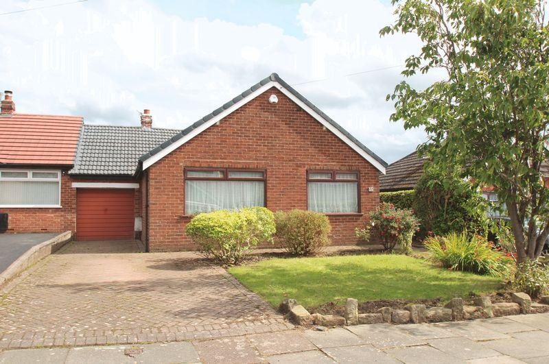 3 Bedrooms Detached Bungalow for sale in Buckley Drive, Romiley
