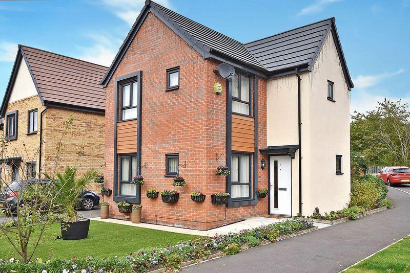 3 Bedrooms Detached House for sale in Corn Brook Avenue, Runcorn