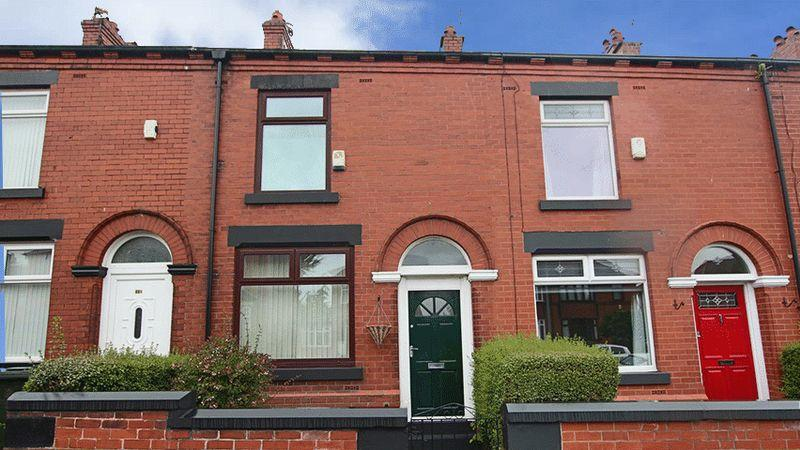 2 Bedrooms Terraced House for sale in Rochdale Road, Slattocks, Middleton, M24 2RB