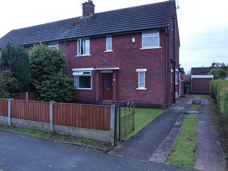 3 Bedrooms Semi Detached House for sale in Lime Avenue, Weaverham, CW8 3DF