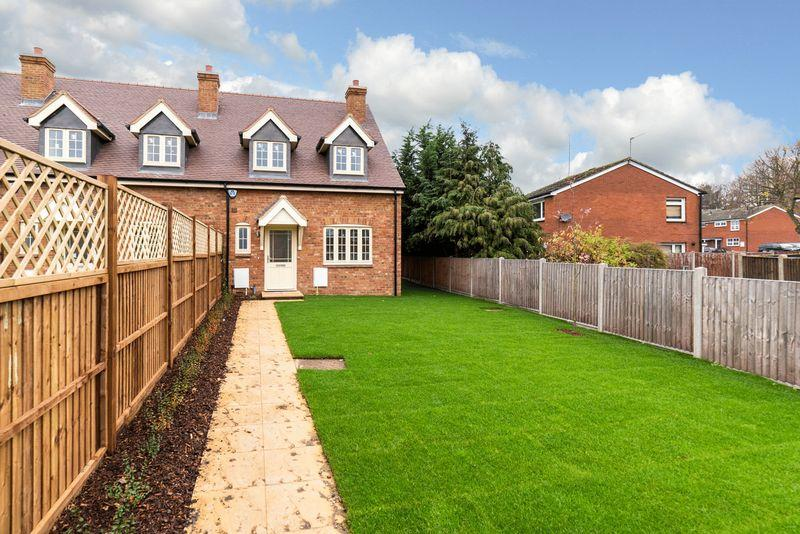 3 Bedrooms End Of Terrace House for sale in Gladstone Mews, Markyate