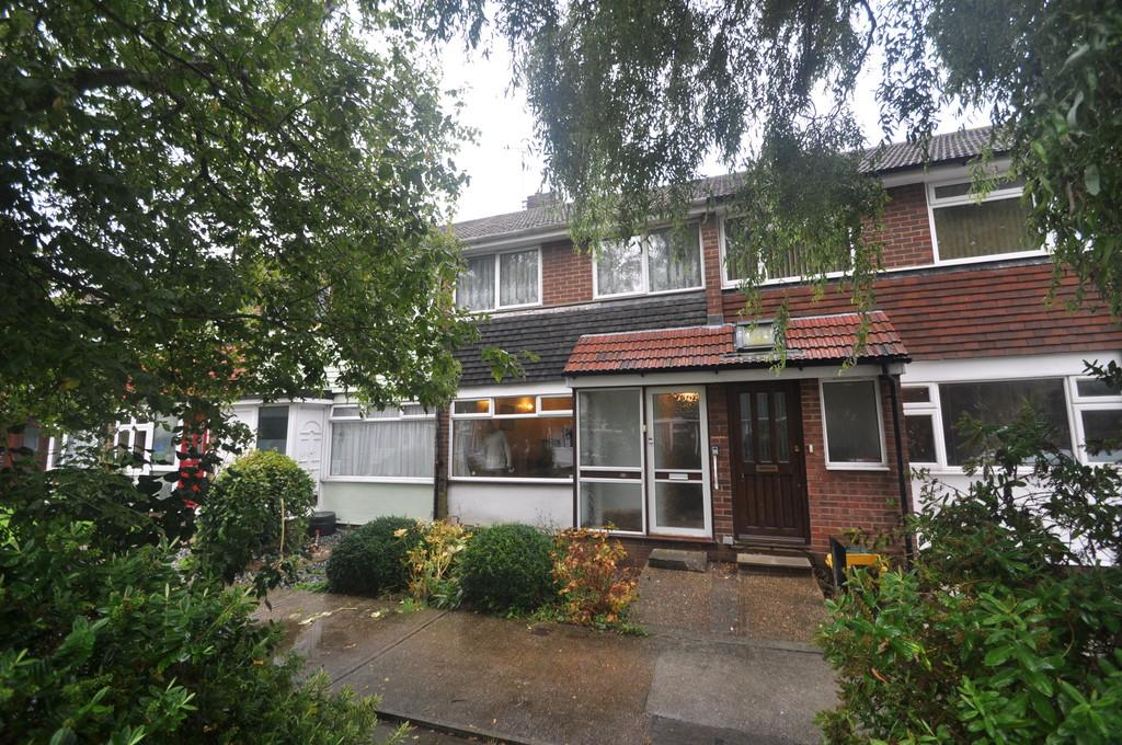 2 Bedrooms Terraced House for sale in Willow Walk, Benfleet