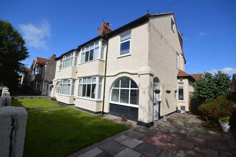 4 Bedrooms Semi Detached House for sale in Cleveley Road, Meols