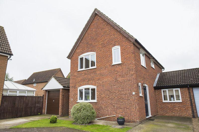 4 Bedrooms Detached House for sale in Mylford Close, Bury St. Edmunds