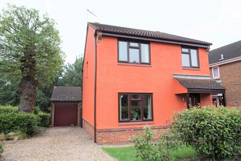 4 Bedrooms Detached House for sale in Codling Road, Bury St. Edmunds