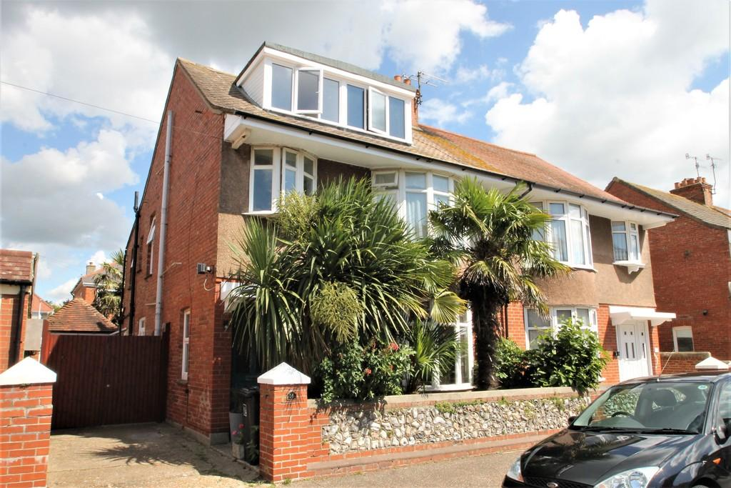 5 Bedrooms Semi Detached House for sale in Ethelred Road, Worthing, BN14 7LY