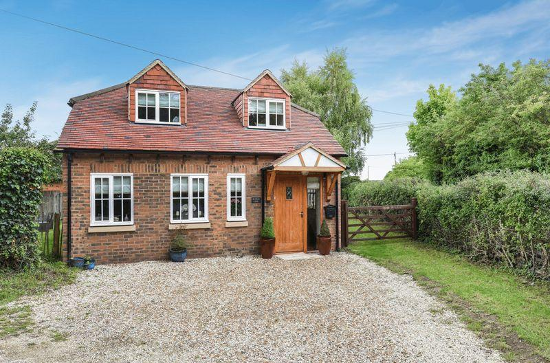 2 Bedrooms Detached House for sale in Kingsey, Buckinghamshire