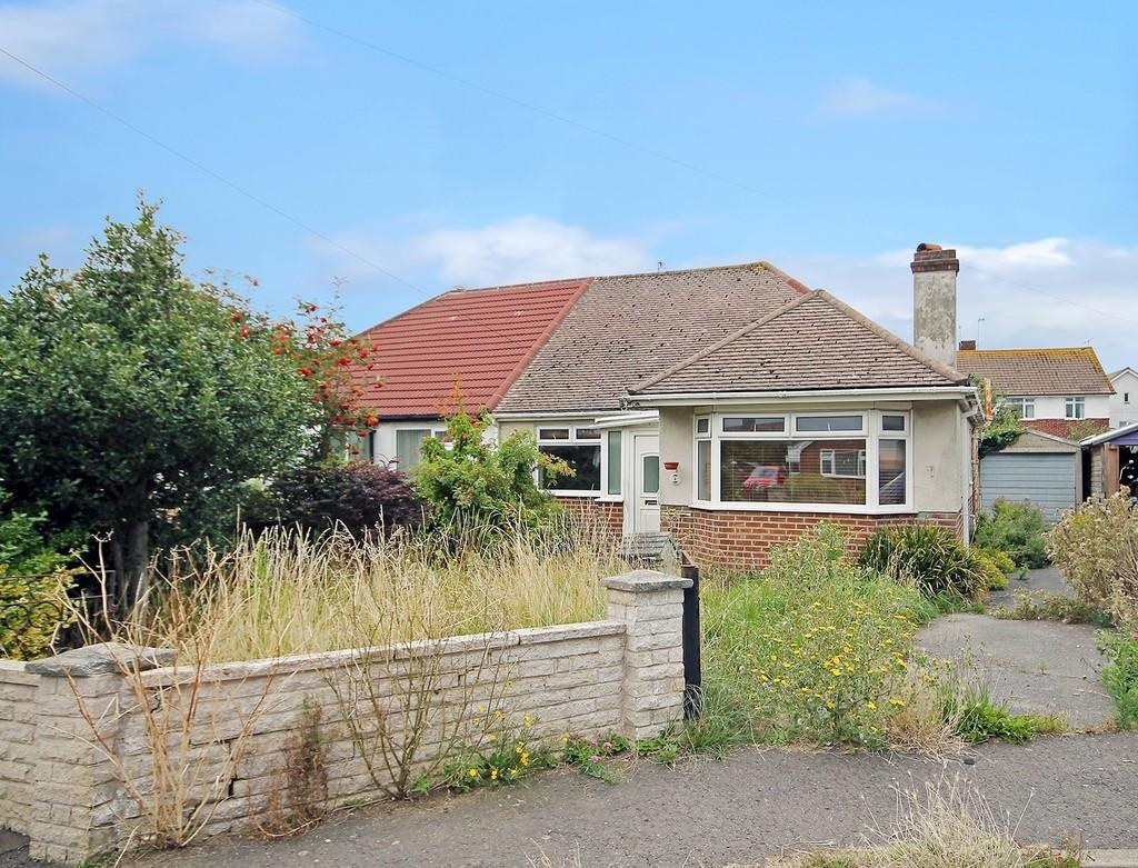 3 Bedrooms Semi Detached Bungalow for sale in Dawes Close, Worthing BN11 2LB