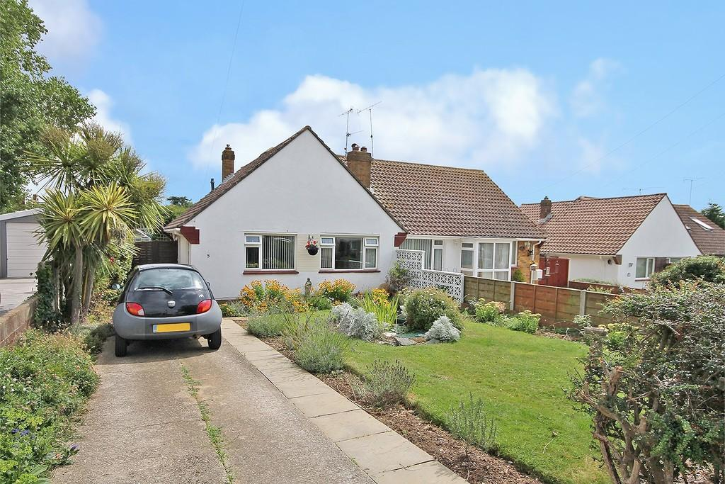 2 Bedrooms Semi Detached Bungalow for sale in Whylands Close, Worthing BN13 3HB