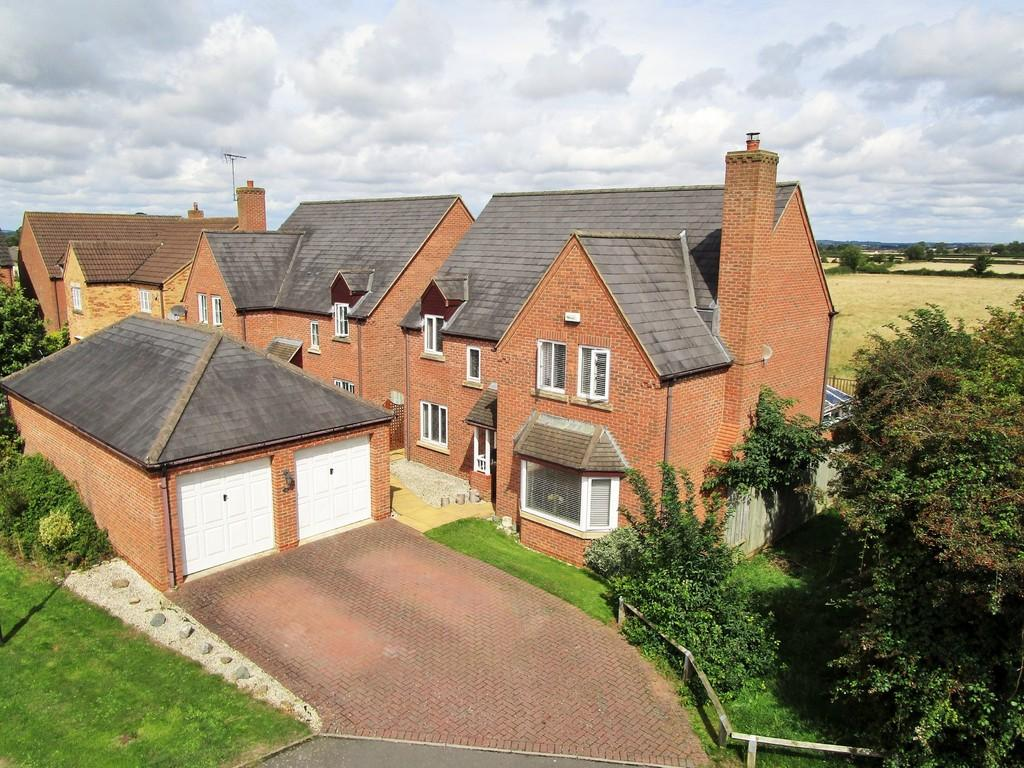 4 Bedrooms Detached House for sale in Millfield Close, Lower Quinton