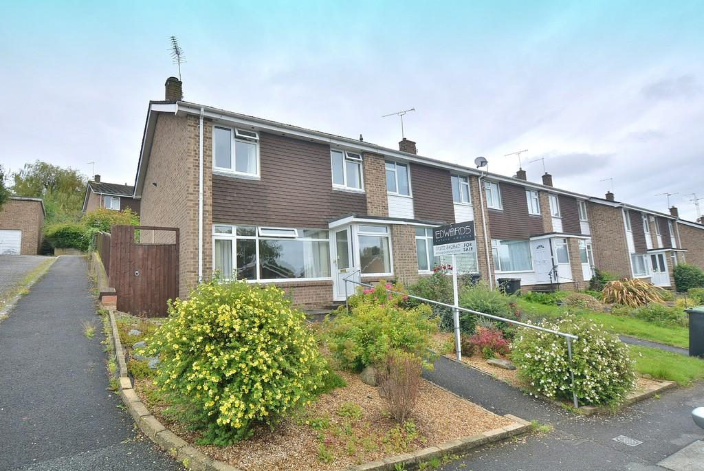 Allenview road wimborne 3 bed end of terrace house for for Whats a terraced house