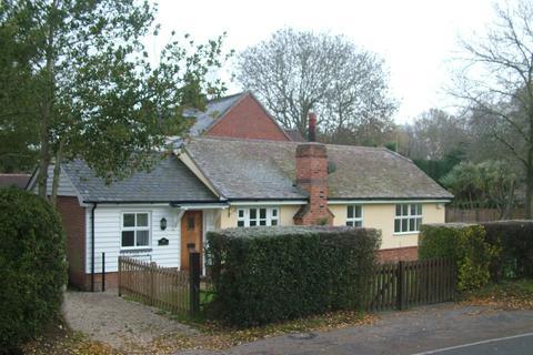 2 bedroom bungalow to rent - Mill Green Road, Mill Green, Fryerning, Ingatestone, Essex, CM4