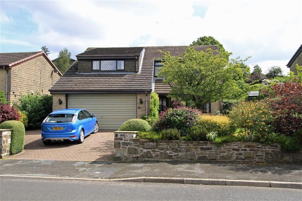 4 Bedrooms Detached House for sale in 19, Longacres Drive, Whitworth, OL12
