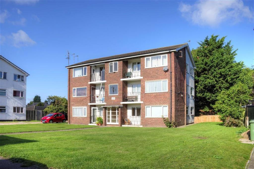 2 Bedrooms Apartment Flat for sale in Clare Court, Coles Road, Cambridge
