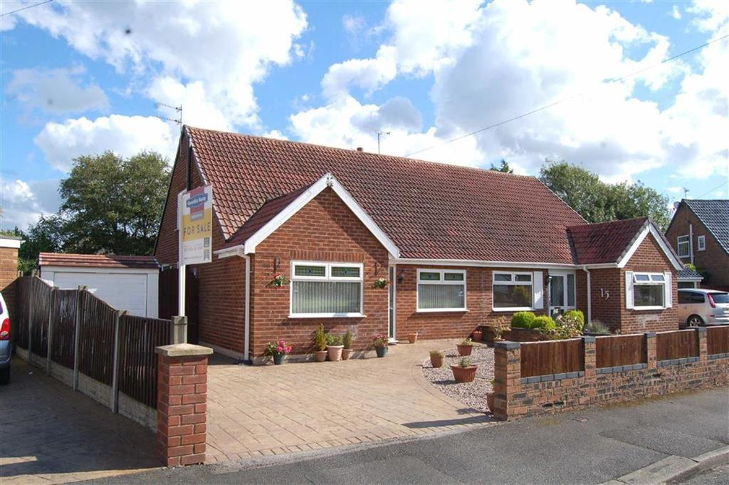 2 Bedrooms Bungalow for sale in The Green, Whitby, Ellesmere Port