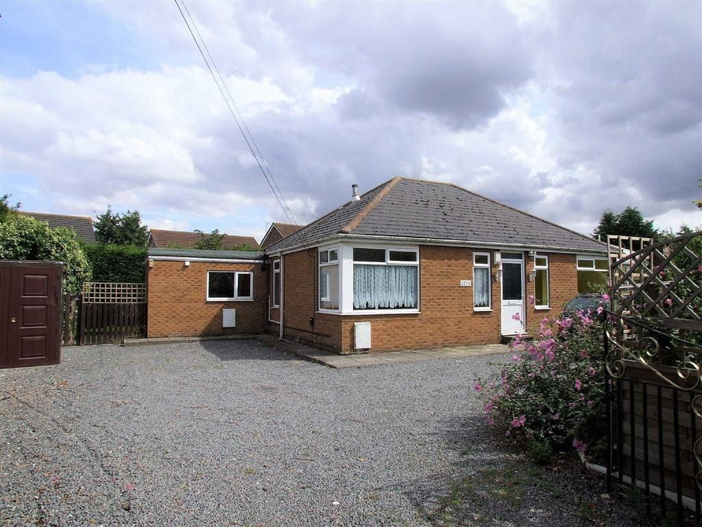 3 Bedrooms Detached Bungalow for sale in Boothferry Road, Hessle, East Yorkshire, HU13