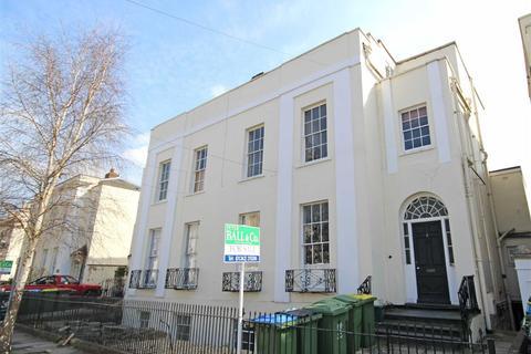 2 bedroom flat to rent - Priory Street, Central, Cheltenham