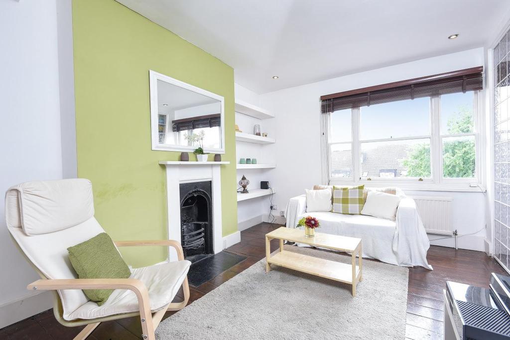 2 Bedrooms Flat for sale in Falcon Road, Battersea