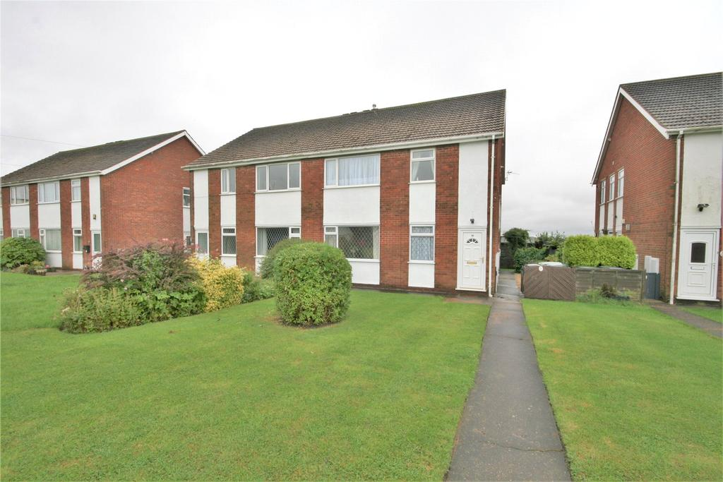 2 Bedrooms Flat for sale in South View, Holton Le Clay, DN36