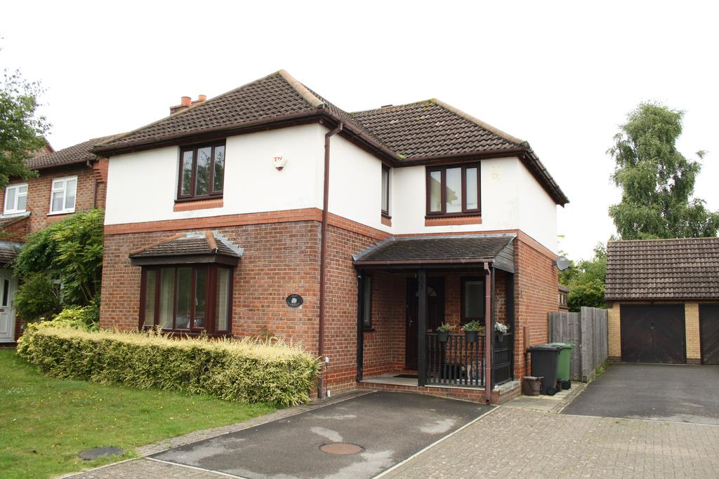 4 Bedrooms Detached House for rent in Giles Close, Grange Park SO30