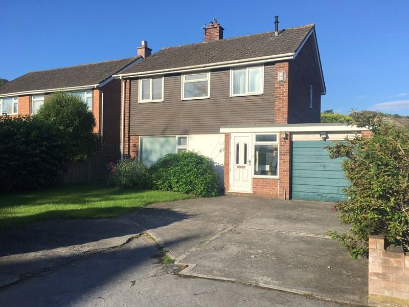 3 Bedrooms Detached House for sale in Berrow Road, Burnham-On-Sea