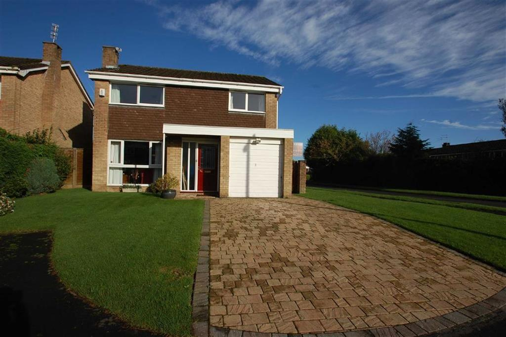 3 Bedrooms Detached House for sale in Southdown Crescent, Cheadle Hulme, Cheshire