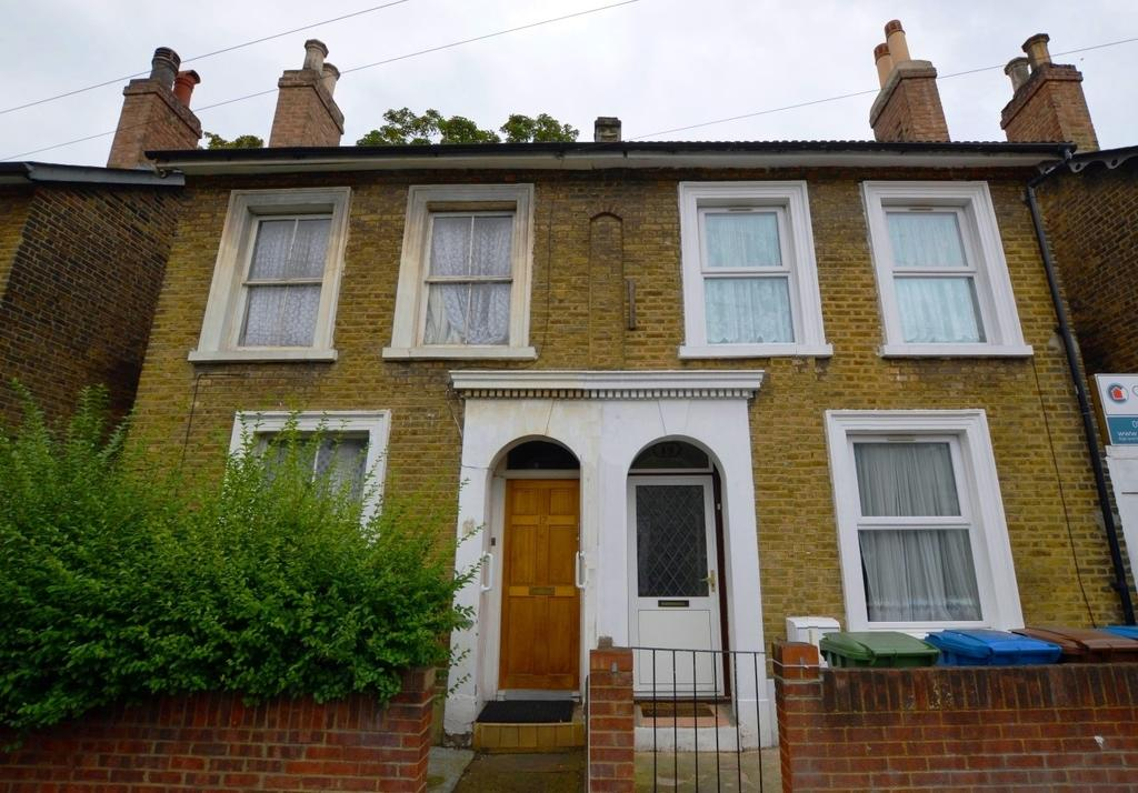4 Bedrooms Terraced House for sale in Elm Grove Peckham SE15