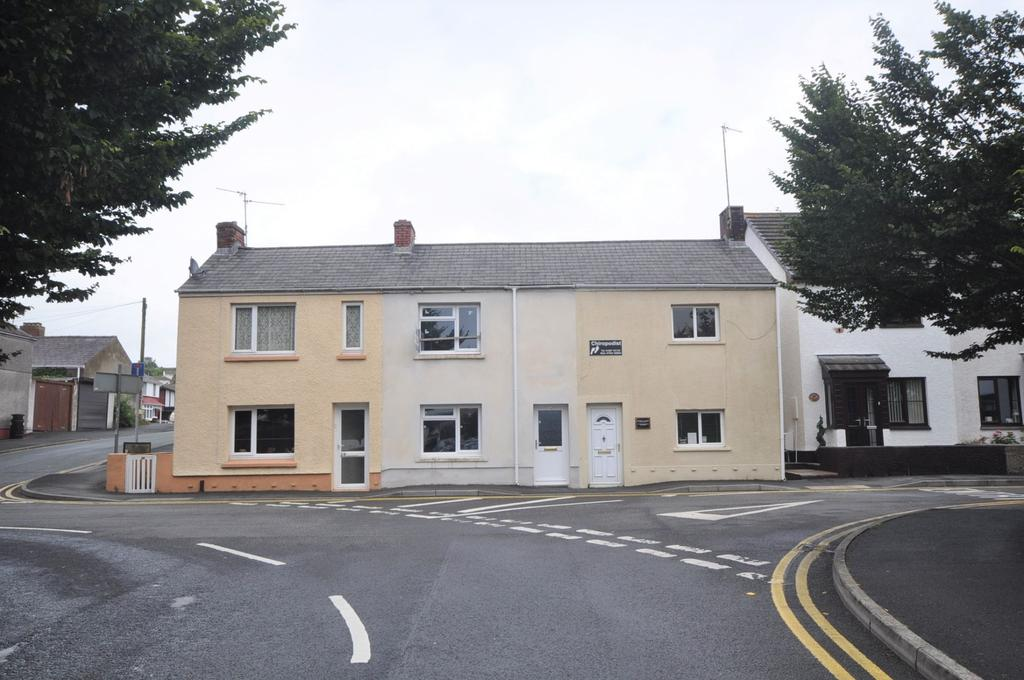 1 Bedroom Terraced House for sale in 27 Little Water Street, Carmarthen SA31 1ER