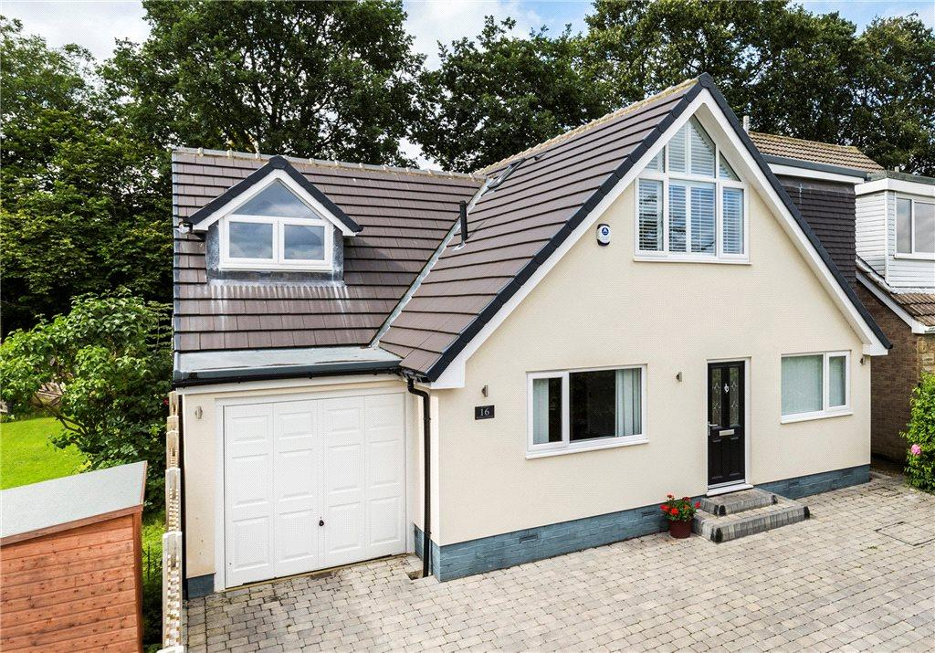 4 Bedrooms Detached House for sale in Wynmore Crescent, Bramhope, Leeds, West Yorkshire
