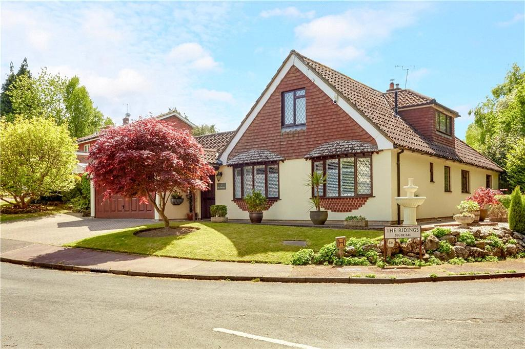 4 Bedrooms Bungalow for sale in The Ridings, Tunbridge Wells, Kent, TN2