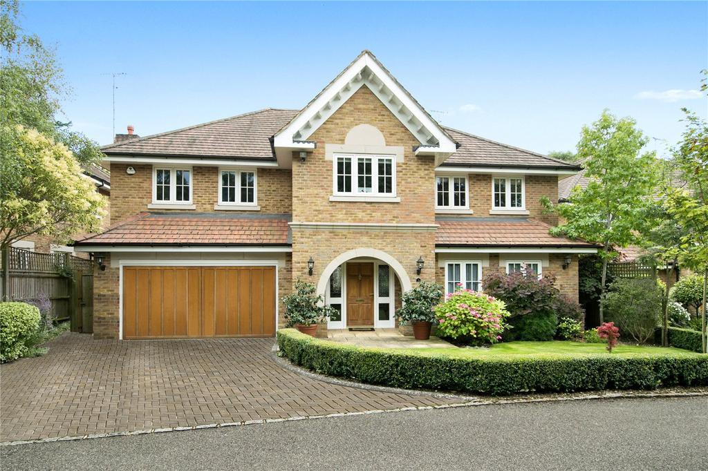 5 Bedrooms Detached House for sale in Fernlea Place, Cobham, Surrey, KT11