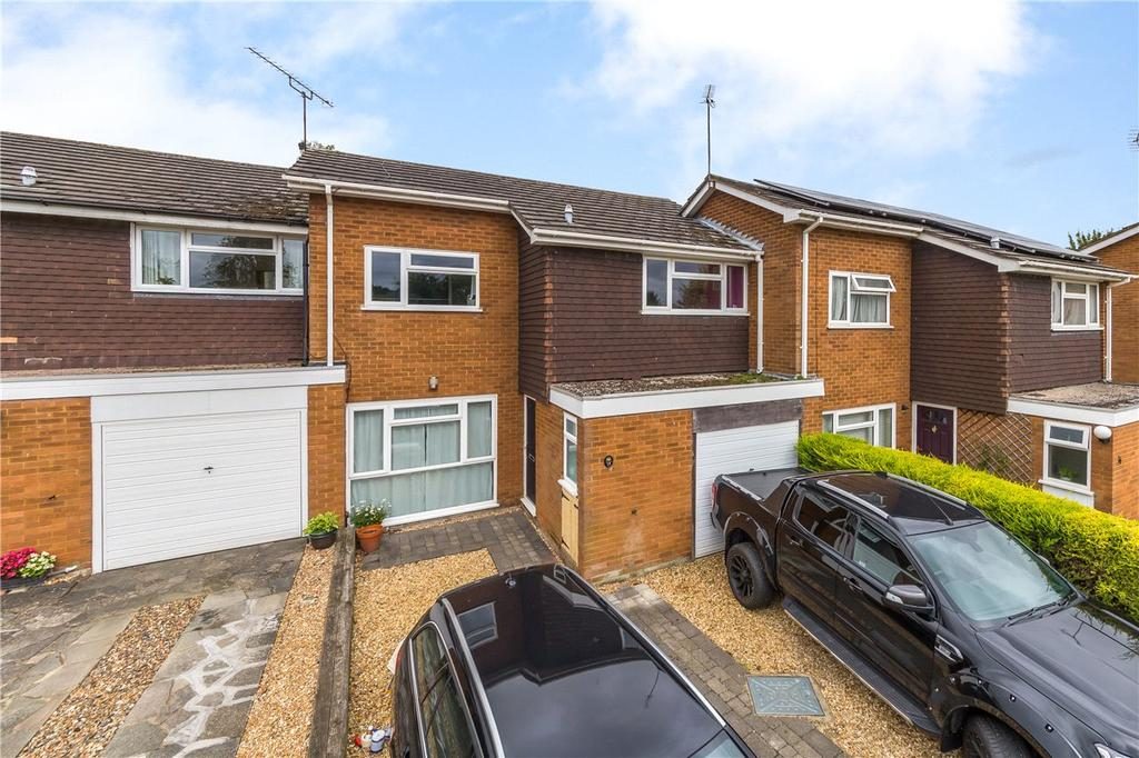 3 Bedrooms Terraced House for sale in Eastmoor Park, Harpenden, Hertfordshire
