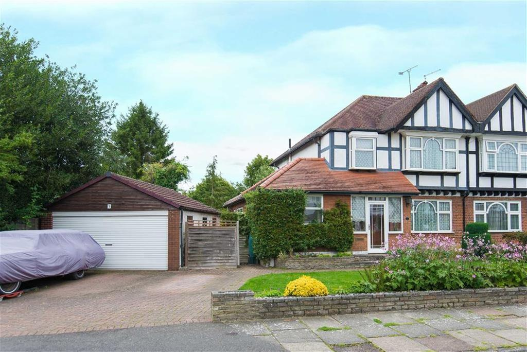 3 Bedrooms Semi Detached House for sale in Burwood Avenue, Pinner, Middlesex