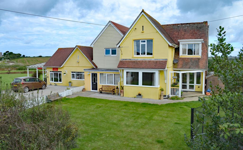 5 Bedrooms Detached House for sale in Station Master's House, Gwinear Road Station, Hayle TR27